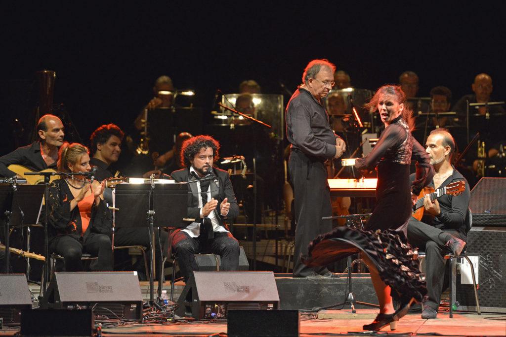 """Les nuits Flamencas, au Parc Jean Moulin: Tablao """"Flamenco"""" la Fabia et Sandie Santiago (decouverte de la scene flamenca locale); Initiation a la sevillane en association avec Acento Flamenco; Giraldillo (bal sévillan); Juan Carmona septet accompagne par la danseuse Paloma Fantova; """"Orillas"""" Juan Carmona et l'orchestre symphonique de l'Opera de Toulon"""